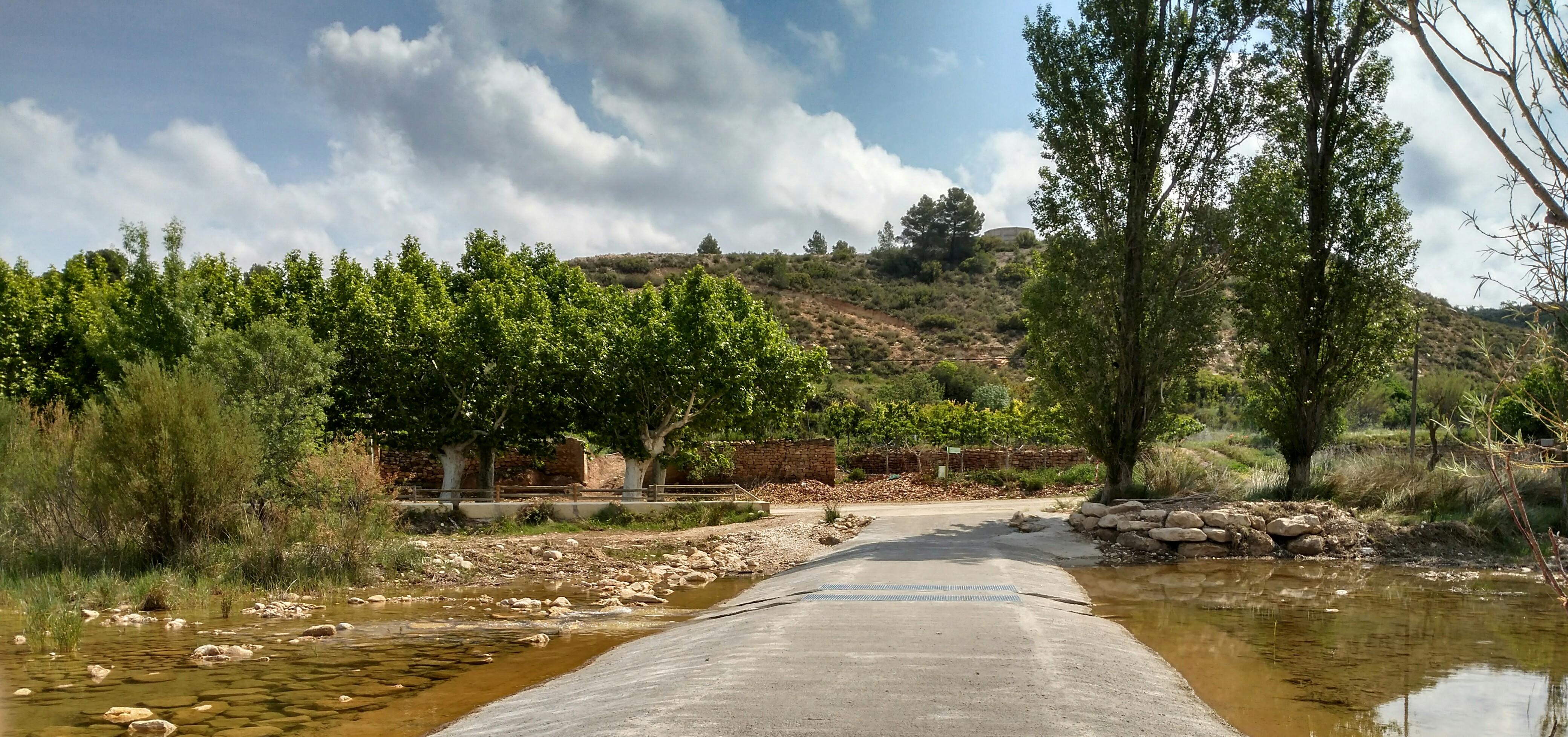 Pas del riu Algars a Caseres